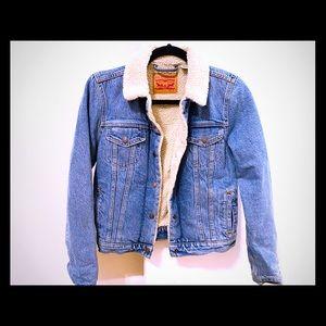 Levi's Ex boyfriend Sherpa trucker jacket
